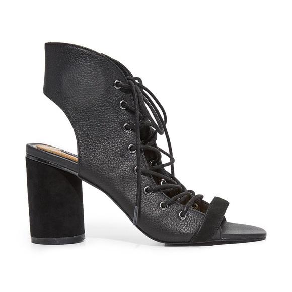 Jaggar Shoes - Jaggar Twist Lace-Up Block Heel Leather Sandal